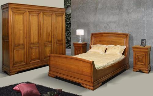 Chambre traditionnelle en merisier